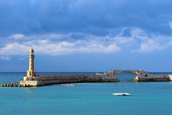 Lighthouse_beside_the_Montazah_garden_in_Alexandria